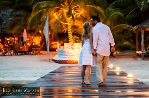 Jose Luis Zapata Wedding Photography | Photographer Belize | Beach Wedding | Belize Weddings