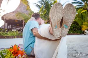 Destination Weddings Belize Photographer | Belize Wedding Photography | Fun Weddings