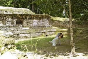 Jose Luis Zapata Wedding Photography | Photographer Belize | Maya Ruin Wedding Pictures | Belize Weddings (13)