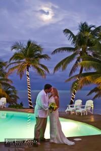 Jose Luis Zapata Wedding Photography | Photographer Belize | Artistic Wedding Pictures | Belize Weddings