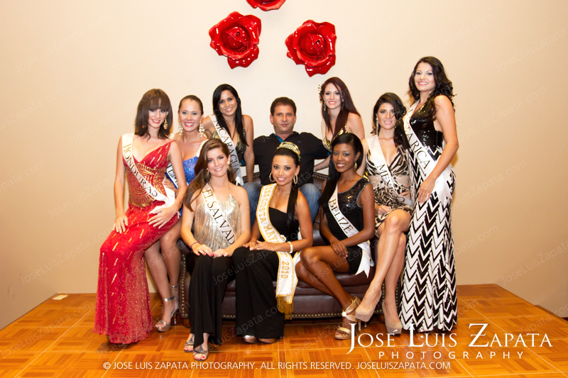 Bob Bounahra with the Reina de la Costa Maya 2011 Contestants