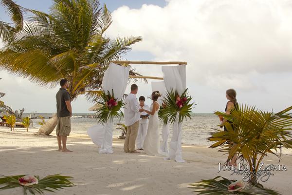 Trash the Dress | Destination Wedding in Belize