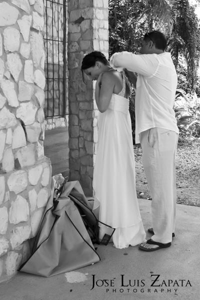 Destination Wedding Photography | Maya Reef Wedding | Mayan Ruin Wedding | Jose Luis Zapata Belize Photographer (17)