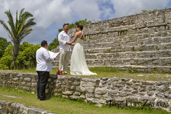 Destination Wedding Photography | Maya Reef Wedding | Mayan Ruin Wedding | Jose Luis Zapata Belize Photographer (15)