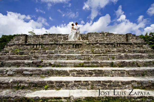 Destination Wedding Photography | Maya Reef Wedding | Mayan Ruin Wedding | Jose Luis Zapata Belize Photographer (11)