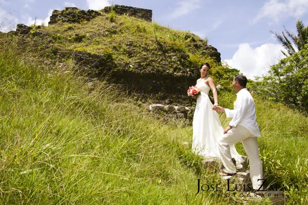 Destination Wedding Photography | Maya Reef Wedding | Mayan Ruin Wedding | Jose Luis Zapata Belize Photographer (10)