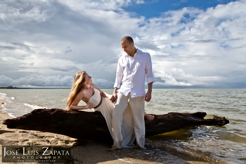 Belize Wedding Photographer | Destination wedding at Hamanasi Resort | Belize Destination Wedding Photography | Artistic Photojournalism