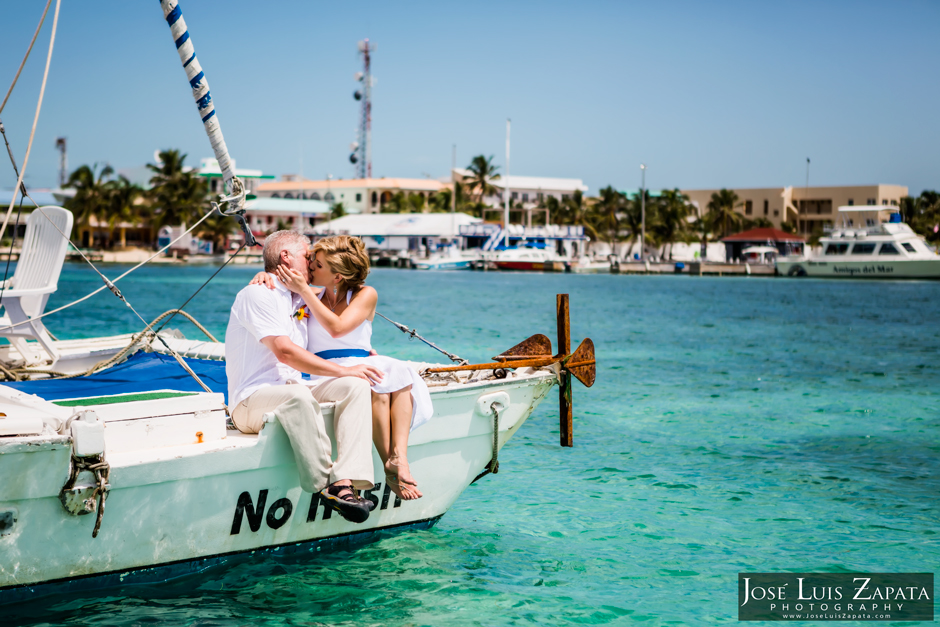 Catamaran Sailing Destination Wedding in Belize | Jose Luis Zapata Photography | San Pedro Ambergris Caye Photographer