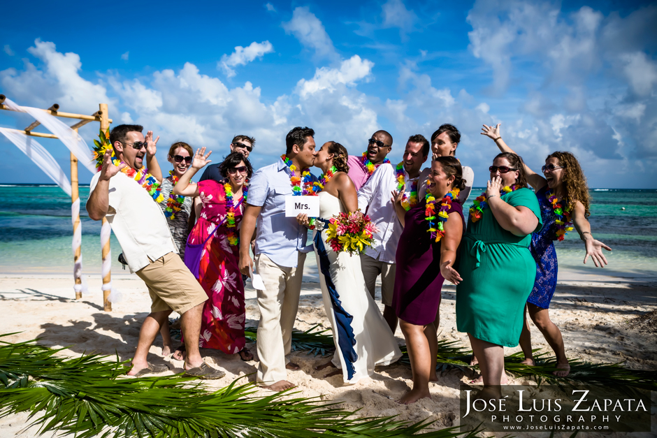 Belize Photographer | Destination Wedding in Belize at Tranquility Bay Resort Jose Luis Zapata Photography San Pedro Ambergris Caye Belize Photographer