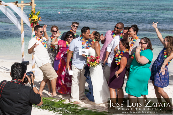 Photographer for Weddings in Belize  | Jose Luis Zapata Photography  | Ambergris Caye Wedding