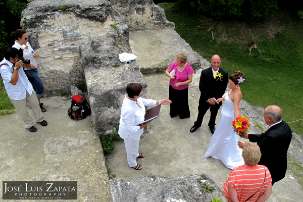 Photographer for Weddings in Belize | Maya Ruin Wedding | Mayan Xunantunich Maya Site | Destination Wedding Belize | Photographer Jose Luis Zapata Photography
