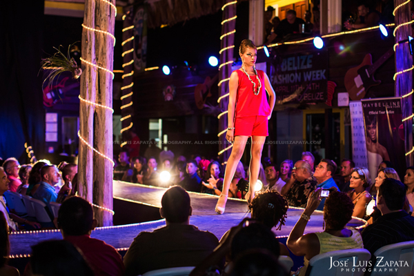 Belize Fashion Week | Fido's Courtyard | Ambergris Caye Belize | Jose Luis Zapata Photography | Fashion, Event, Wedding Photographer (11)