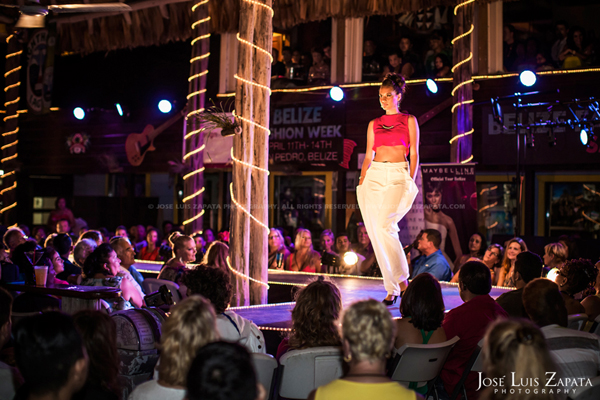 Belize Fashion Week | Fido's Courtyard | Ambergris Caye Belize | Jose Luis Zapata Photography | Fashion, Event, Wedding Photographer (4)