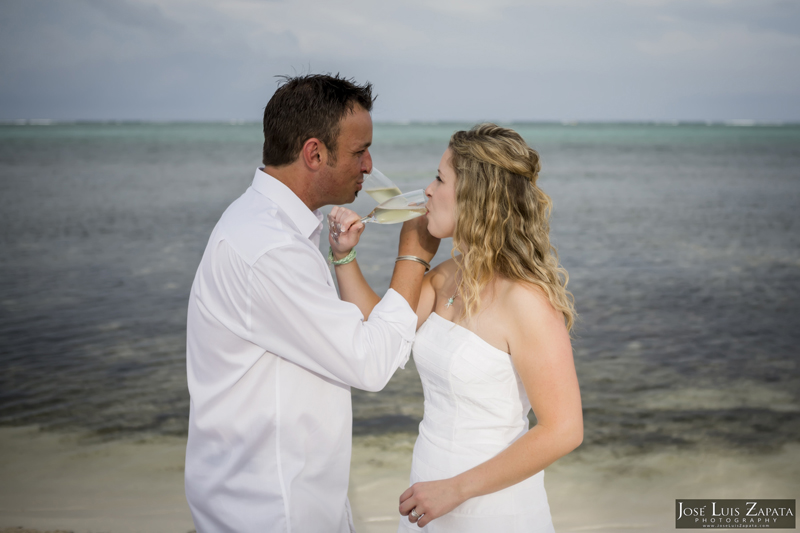 Destination Beach Wedding Mata Chica Resort Ambergris Caye San Pedro Belize Photographer (13)