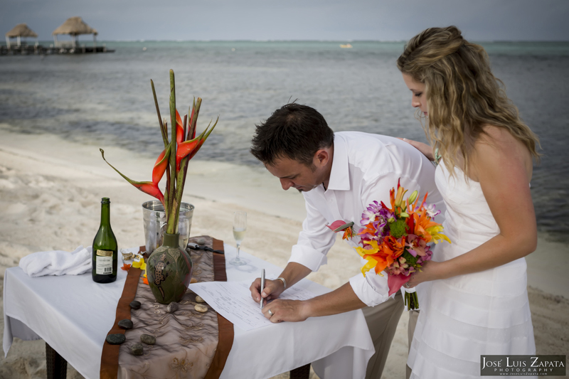 Destination Beach Wedding Mata Chica Resort Ambergris Caye San Pedro Belize Photographer (15)