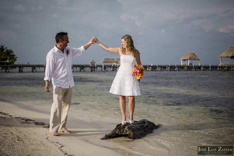 Destination Beach Wedding Mata Chica Resort Ambergris Caye San Pedro Belize Photographer (17)