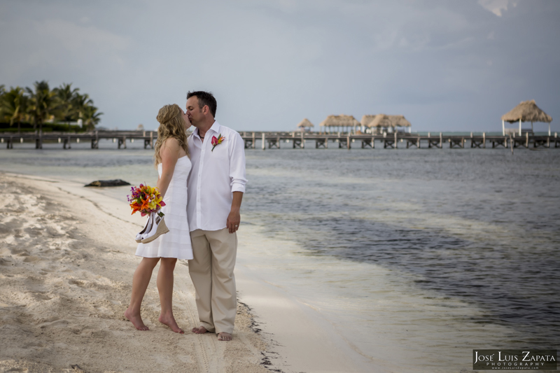 Destination Beach Wedding Mata Chica Resort Ambergris Caye San Pedro Belize Photographer (18)