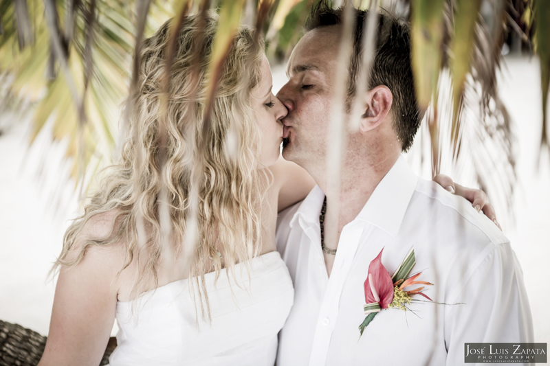 Destination Beach Wedding Mata Chica Resort Ambergris Caye San Pedro Belize Photographer (25)