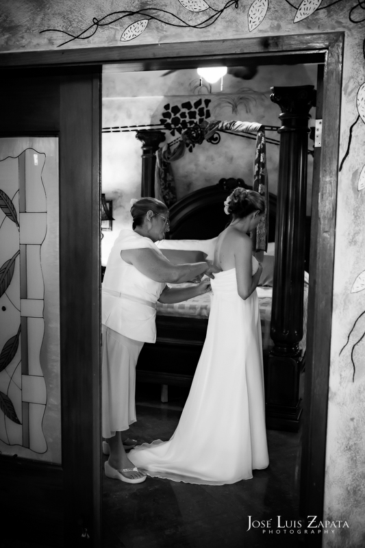 Placencia Luxury Belize Wedding |  Chabil Mar Boutique Resort | Jose Luis Zapata Photography (4)