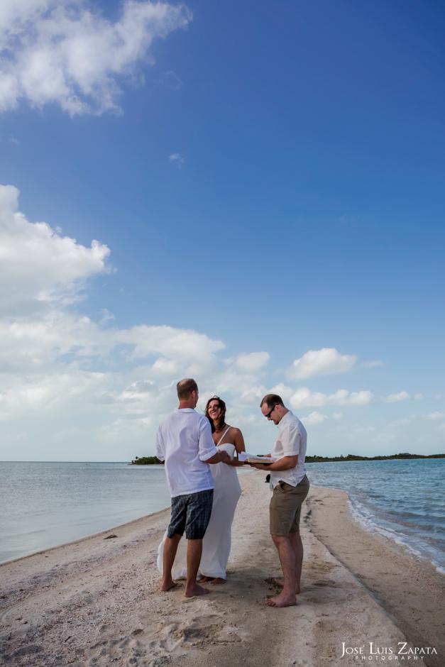 Sandbar Wedding | Intimate Island Weddings | Destination Wedding, Sandbar Island Wedding, Ambergris Caye, Belize | Jose Luis Zapata Photography, International Destination Wedding Photographer