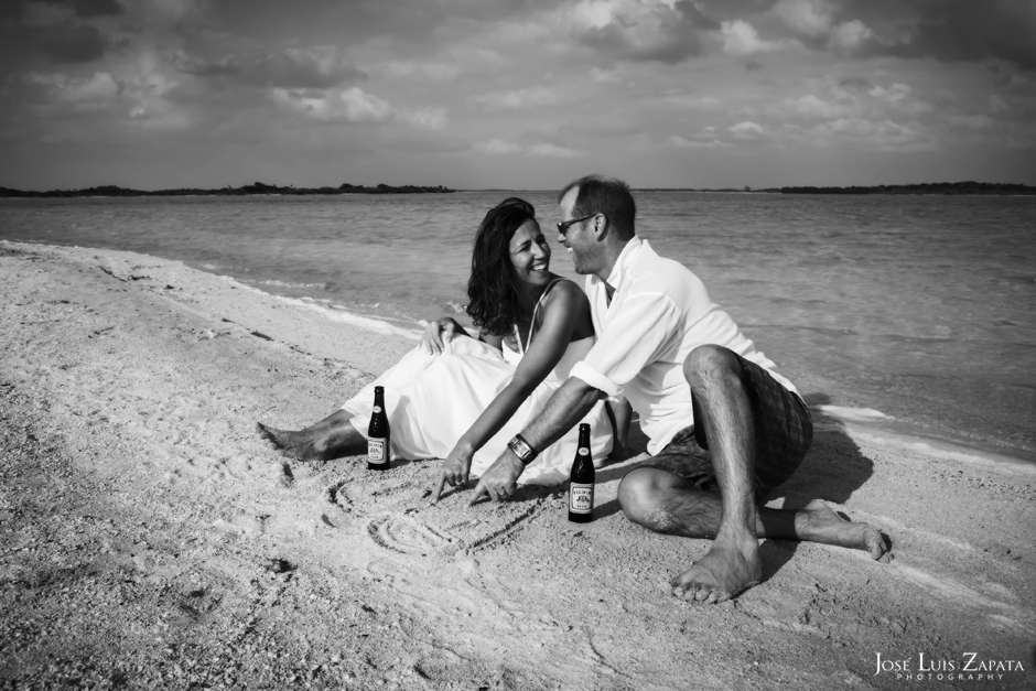 Destination Wedding, Sandbar Island Wedding, Ambergris Caye, Belize | Jose Luis Zapata Photography, International Destination Wedding Photographer