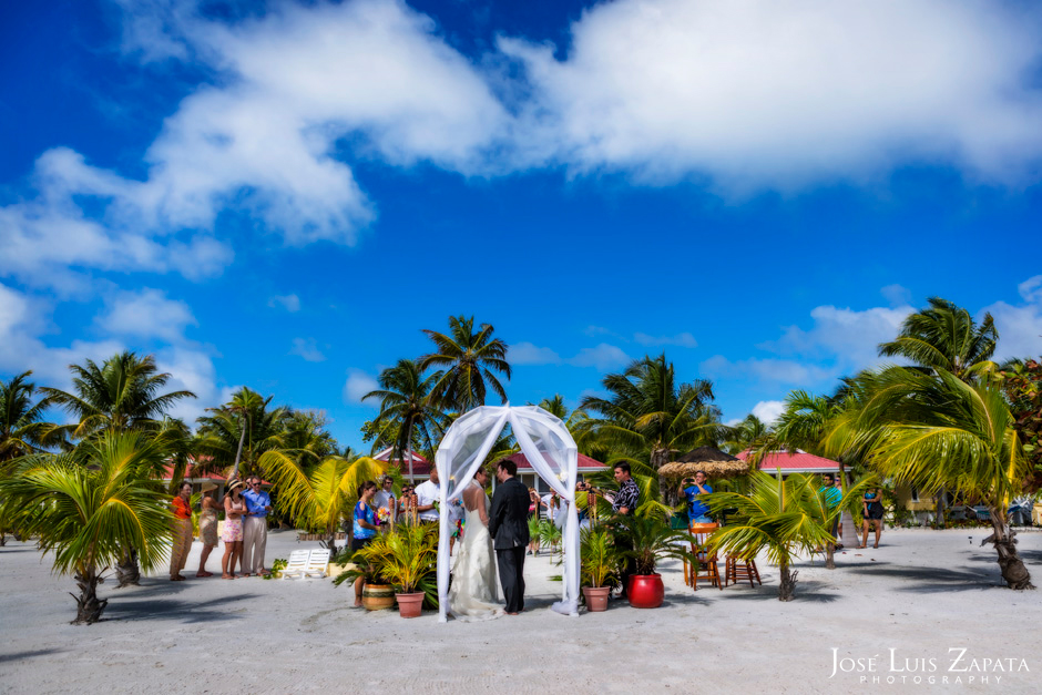 Trash the Vera Wang | Trash the Dress at Turneffe Island Resort | Destination Belize Wedding Photographer | Jose Luis Zapata Photography (9)