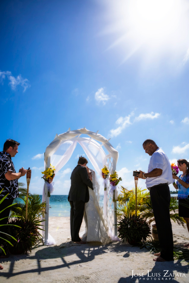 Trash the Vera Wang | Trash the Dress at Turneffe Island Resort | Destination Belize Wedding Photographer | Jose Luis Zapata Photography (12)