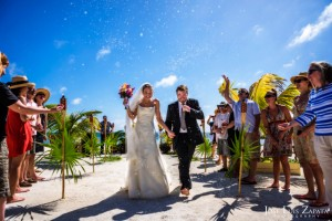 Trash the Vera Wang | Trash the Dress at Turneffe Island Resort | Destination Belize Wedding Photographer | Jose Luis Zapata Photography (14)