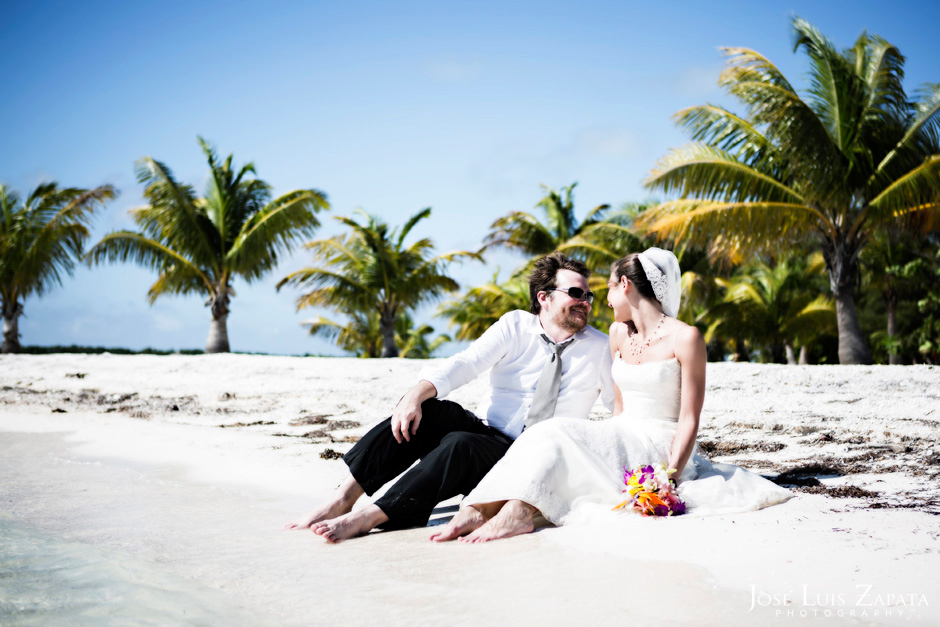 Trash the Vera Wang | Trash the Dress at Turneffe Island Resort | Destination Belize Wedding Photographer | Jose Luis Zapata Photography (25)
