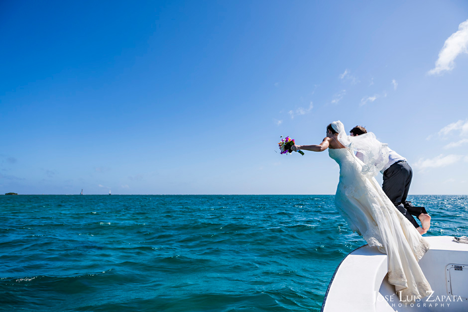 Trash the Vera Wang | Trash the Dress at Turneffe Island Resort | Destination Belize Wedding Photographer | Jose Luis Zapata Photography (30)