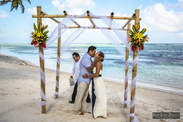 Belize Wedding at Tranquility Bay Resort, Ambergris Caye, Island Beach Wedding (15)