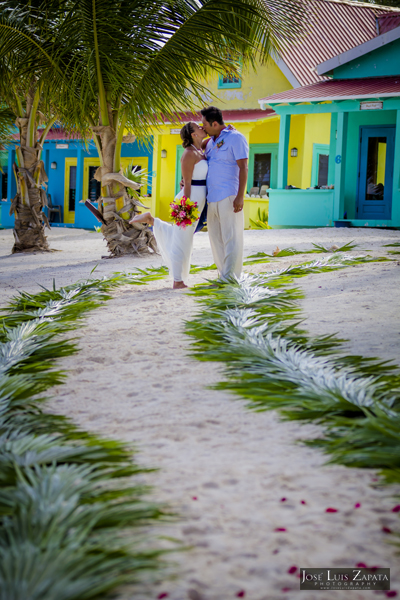 Belize Wedding at Tranquility Bay Resort, Ambergris Caye, Island Beach Wedding (18)