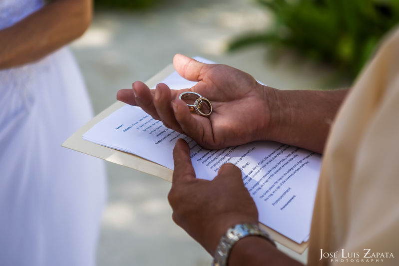 Las Terrazas Beach Wedding Ambergris Caye Belize Photographer (11)