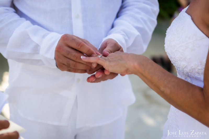 Las Terrazas Beach Wedding Ambergris Caye Belize Photographer (12)