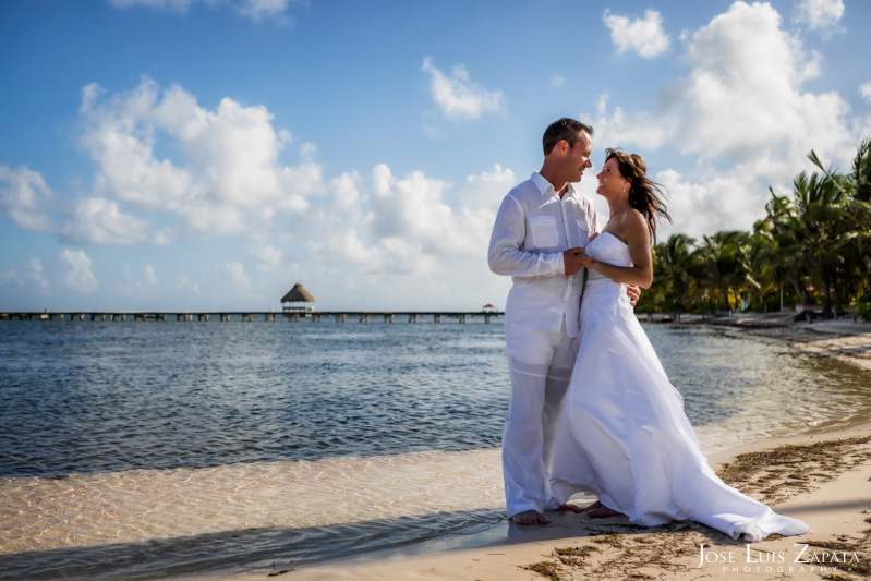 Las Terrazas Beach Wedding Ambergris Caye Belize Photographer (19)
