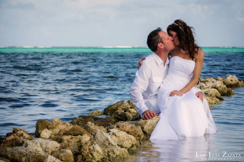 Las Terrazas Beach Wedding Ambergris Caye Belize Photographer (20)