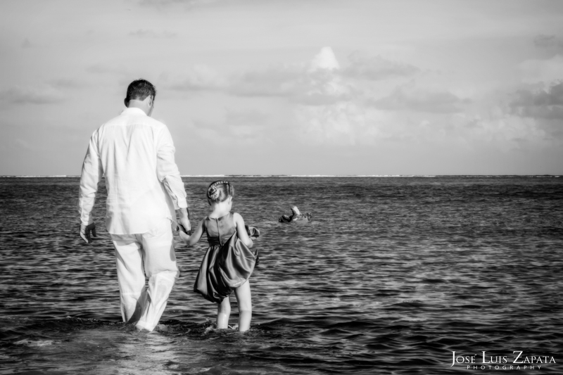 Las Terrazas Beach Wedding Ambergris Caye Belize Photographer (21)