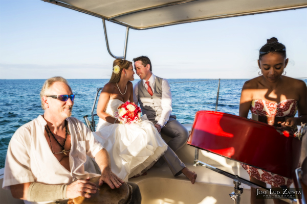 Belize Catamaran Wedding - Jose Luis Zapata Photography - Photographer Belize