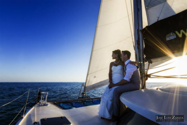 Belize Catamaran Sailing Wedding - Jose Luis Zapata Photography - Photographer Belize