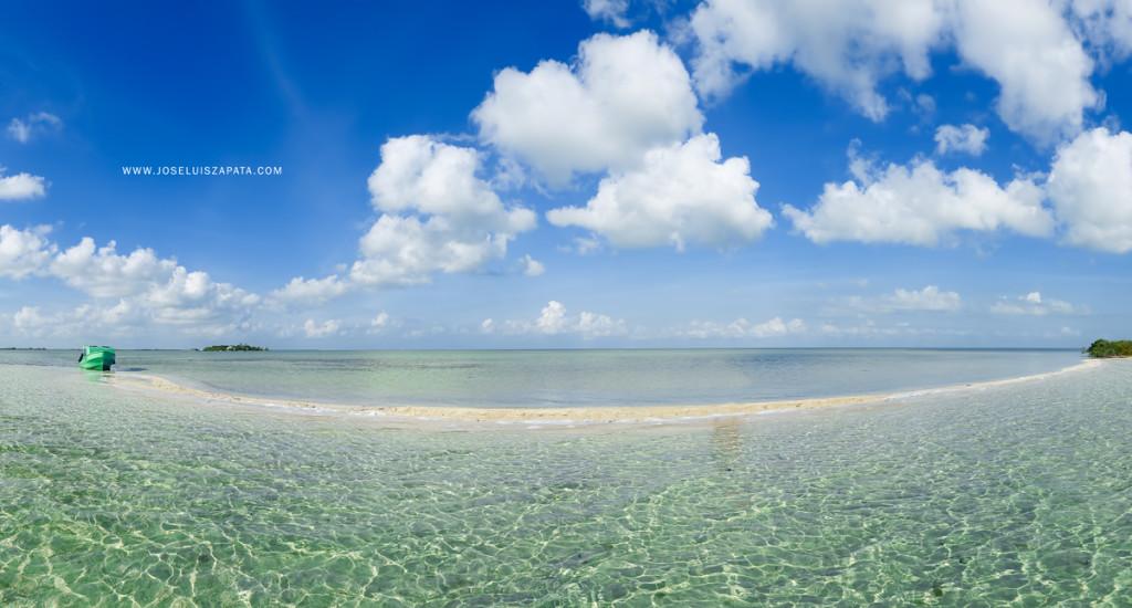 San Pedro's Famous Sandbar in Ambergris Caye, Belize
