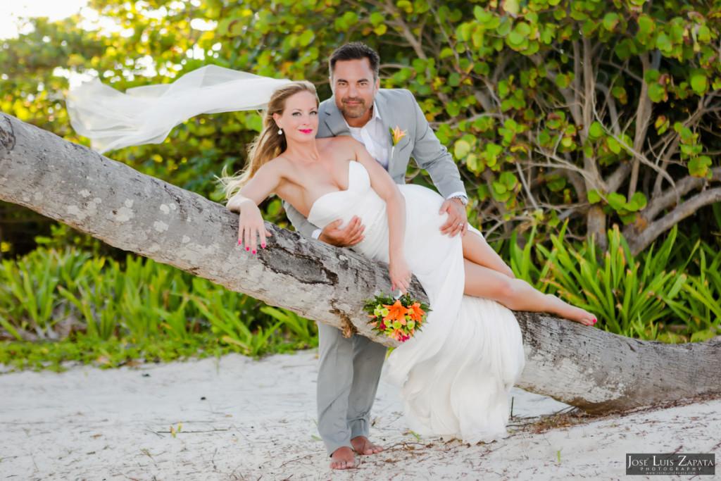 Coco Beach Belize Resort - Intimate Beach Wedding (20)