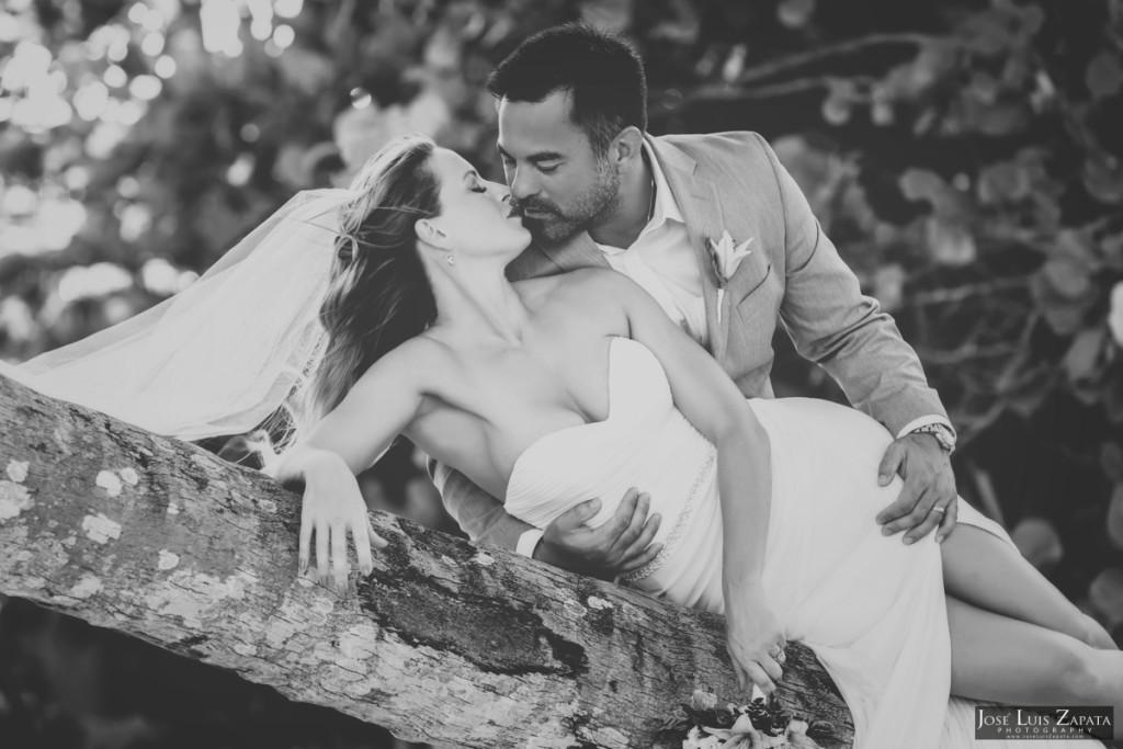 Coco Beach Belize Resort - Intimate Beach Wedding (19)