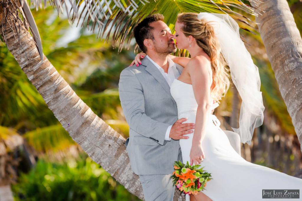 Coco Beach Belize Resort - Intimate Beach Wedding (18)
