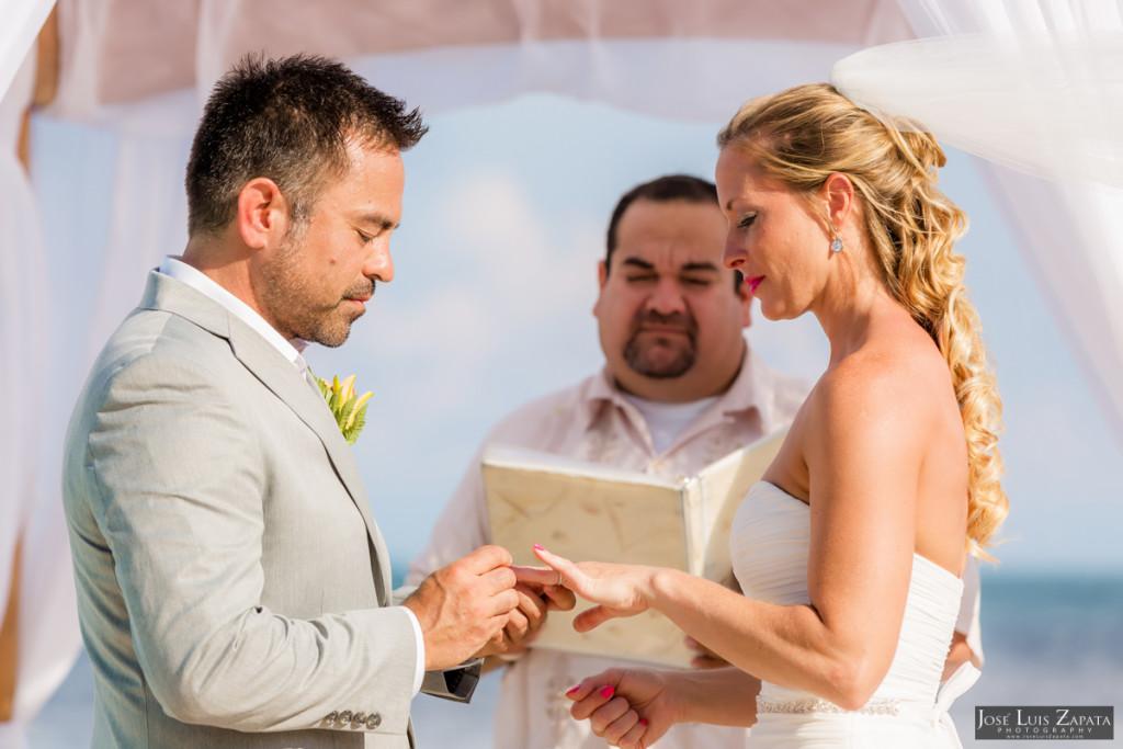 Coco Beach Belize Resort - Intimate Beach Wedding (39)