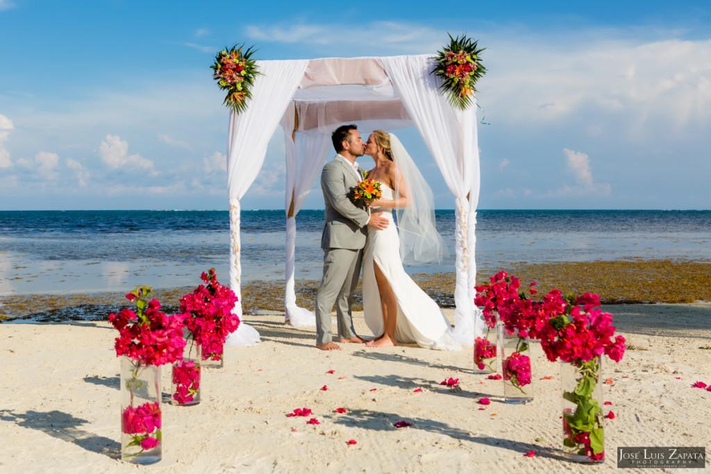 Coco Beach Belize Resort - Intimate Beach Wedding (34)