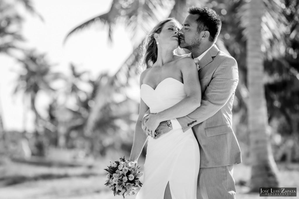 Coco Beach Belize Resort - Intimate Beach Wedding (30)