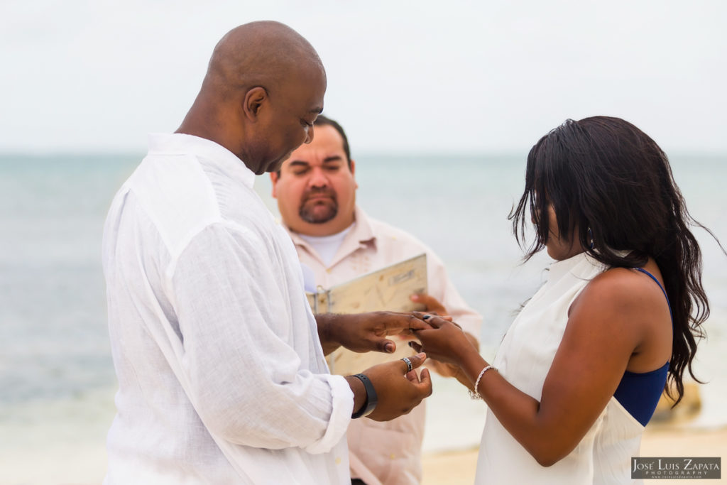 malcolm_sharyan_coco_beach_belize_wedding_19_