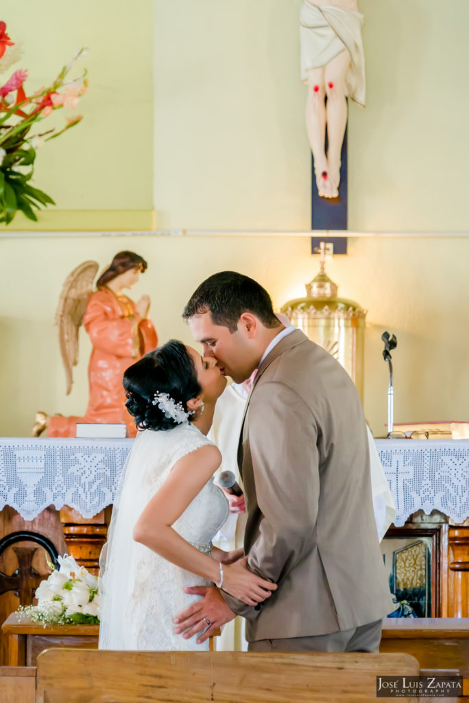 Adrian & Gaylan - San Ignacio, Blancaneaux Resort - Belize Wedding (39)
