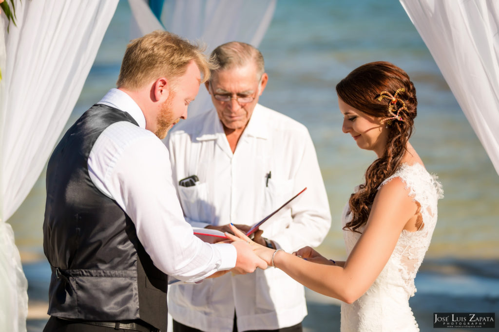 Leap Year Wedding in Belize - Jose Luis Zapata Photography - Belize Photographer (15)