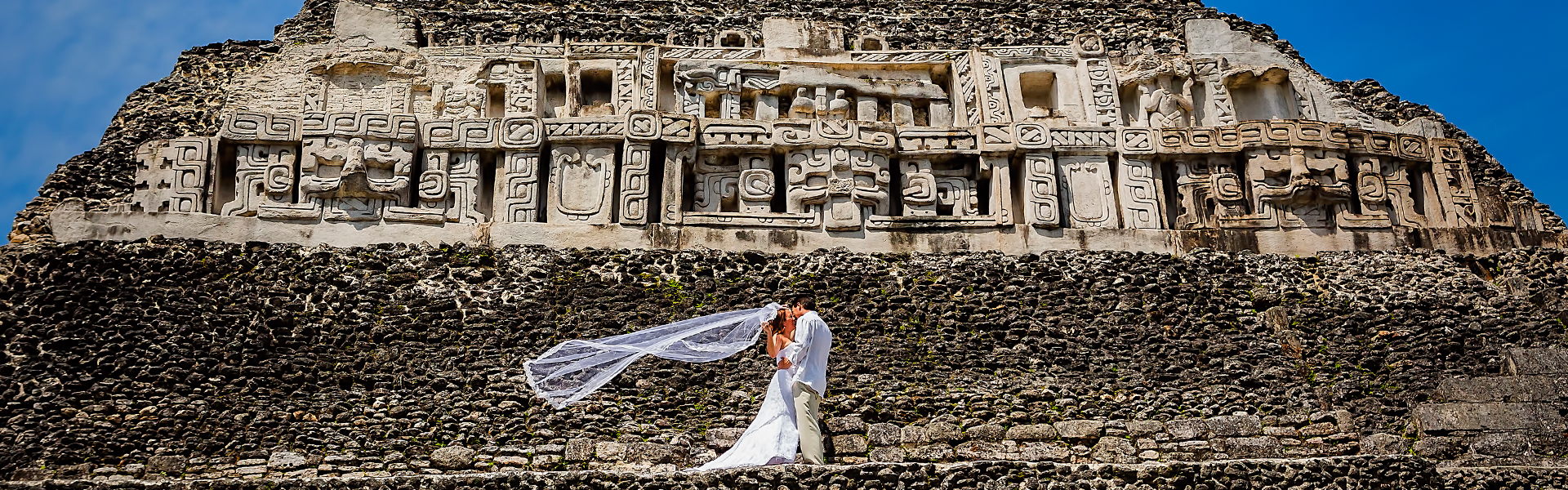 LOVE ON THE MAYAN WORLD